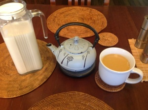 Black tea with cashew milk
