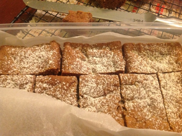 A dusting of powdered raw sugar to make the blondies a bit special, for Heidi's birthday.