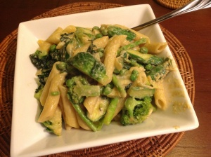 Creamy green vegetable pasta (tipped a bit sloppily into the bowl, but that's because I was in a hurry to gobble it up).
